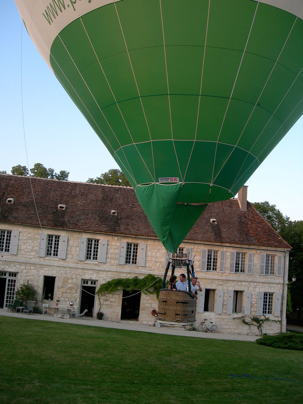 Ballooning near Chateau de Mailly