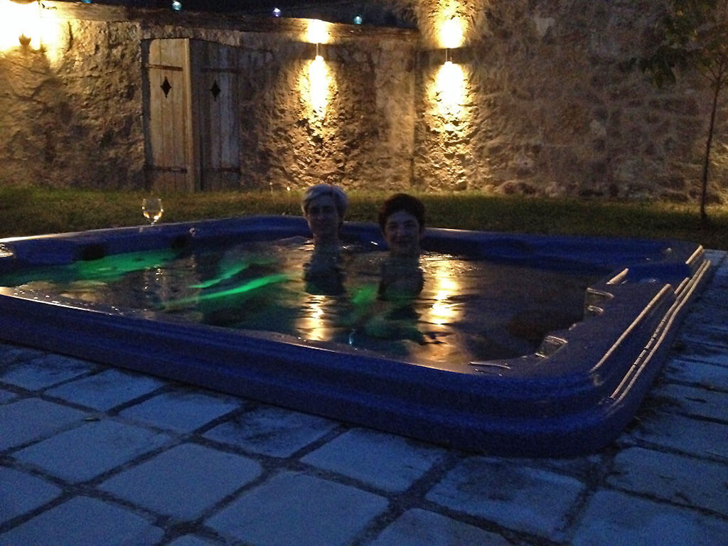 chateau de mailly annex hot tub spa